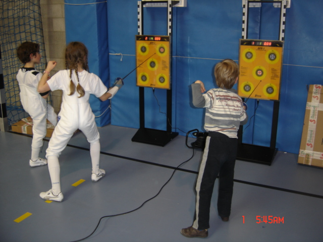 Brussels Europe Fencing club - Photo d'escrime - cibles-enfants.JPG